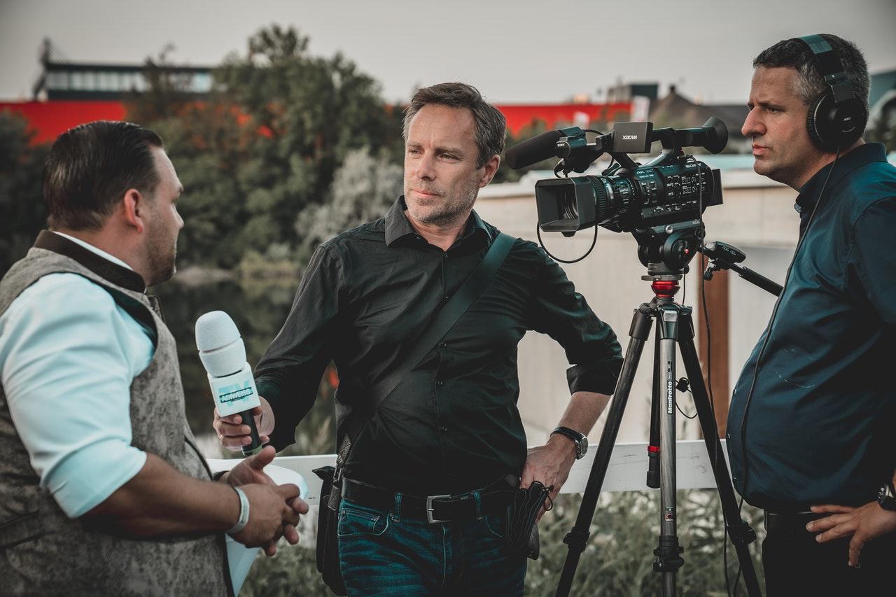 Hinter den Kulissen der Medien – Wie entstehen Nachrichten?